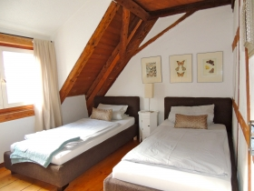 3.Schlafzimmer mit 2 Einzelbetten.